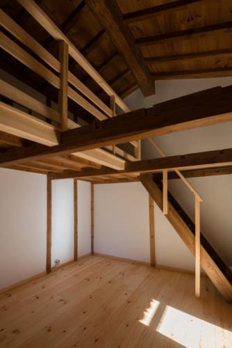 土蔵階段の写真