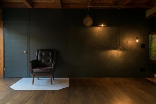 自邸リビング壁2
